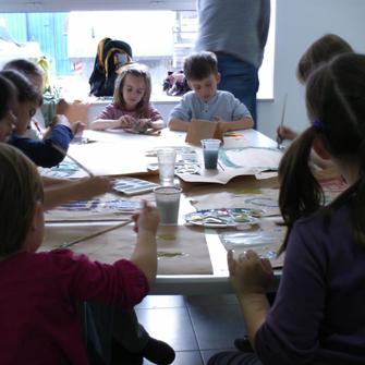 Са дечије радионице Шуматовачке на Миксер фестивалу, 2012. у Вучиној кући (Карађорђева број 61)